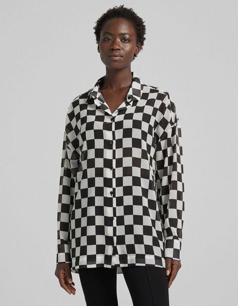Koszula o fakturze szyfonu z nadrukiem w szachownicę i długim rękawem za 53,9 zł