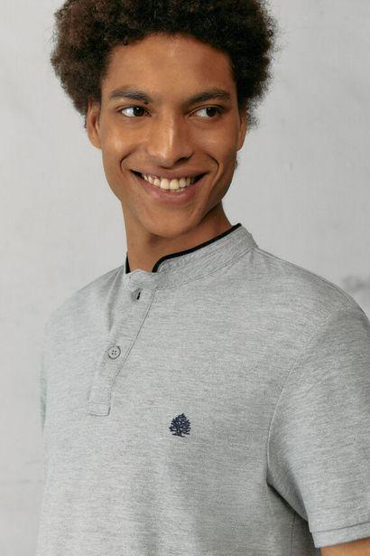 Slim fit mandarin collar polo shirt with velvet za 12,99 zł